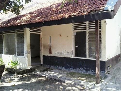 Rumah Sewa Murah Dengan Lahan Parkir Super Luas Di Tenggilis Mejoyo Surabaya Timur