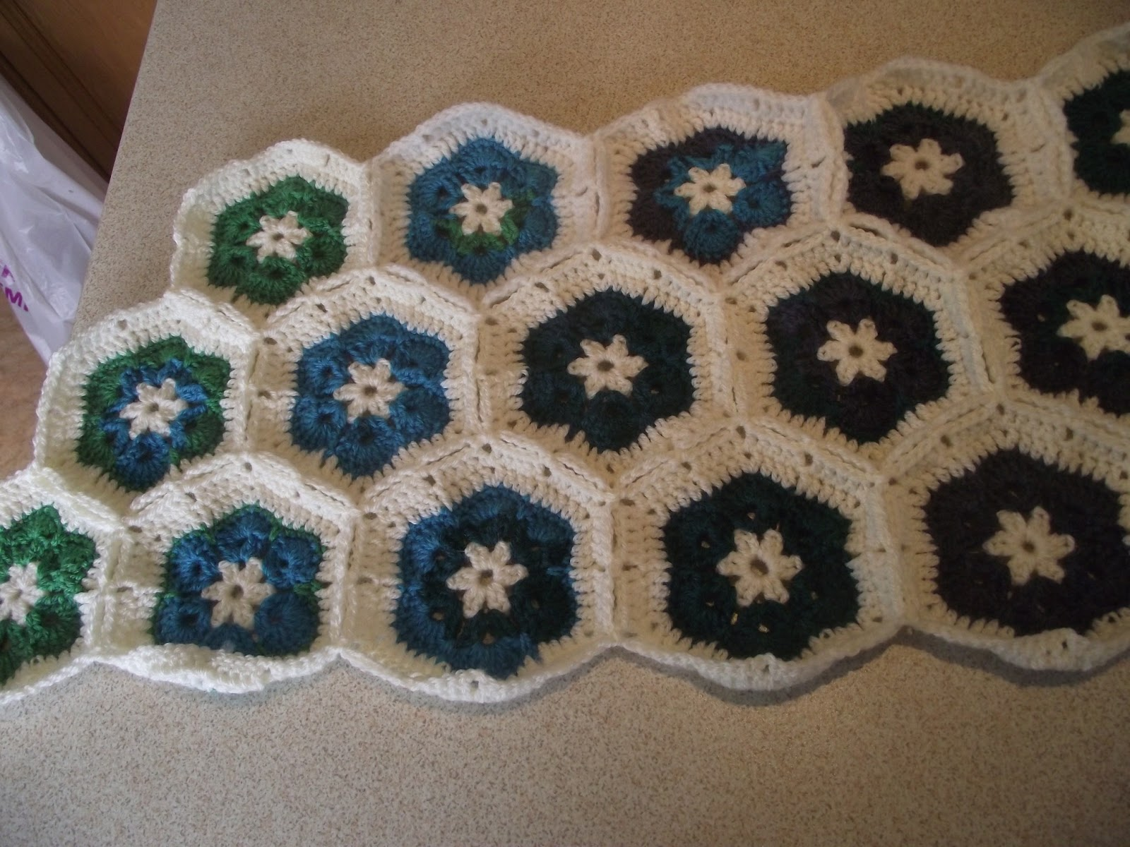 Dotty Textiles: African Flower Crochet Hexagons