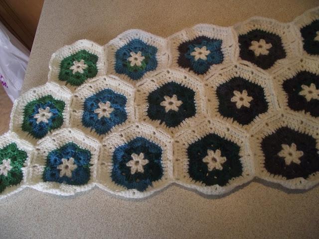African Flower Crochet Pattern Half : Dotty Textiles: African Flower Crochet Hexagons