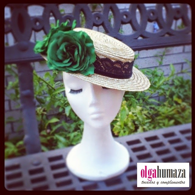 http://olgahumaza.blogspot.com.es/2014/06/b38-tocado-sombrero-mini-canotier.html