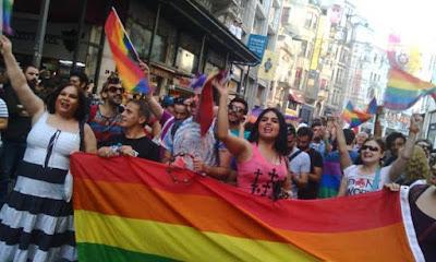 onur yürüyüşü pride 2015