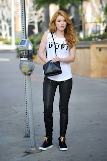 bella-thorne-out-and-about-in-los-angeles-2101_3.jpg