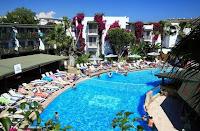ayaz-otel-gümbet-yüzme-havuzu