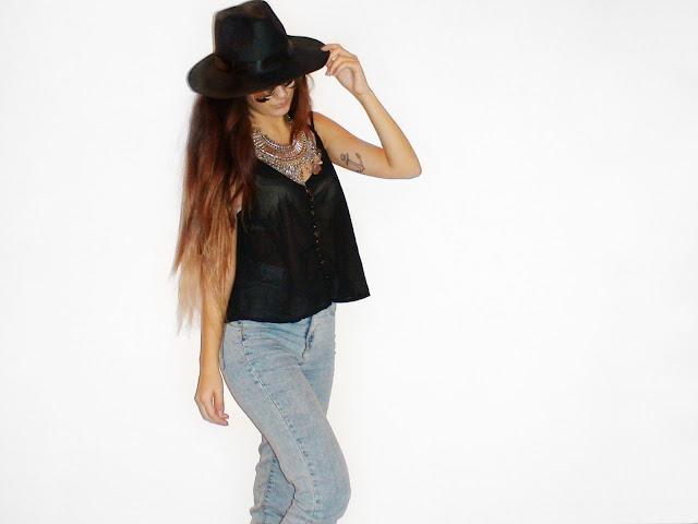 minimal outfit ideas boho