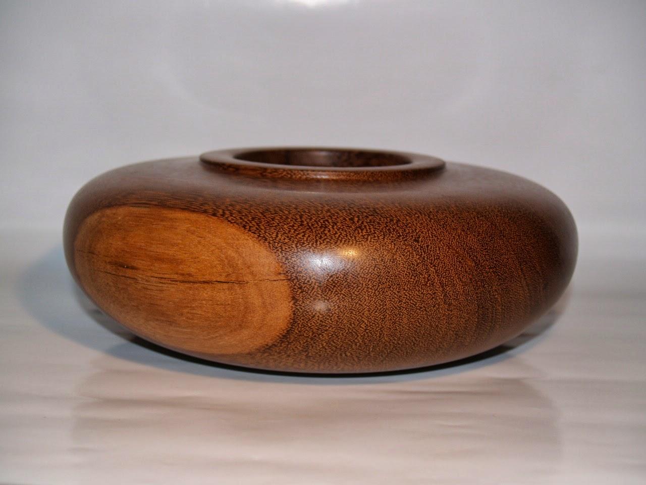 didier tournage sur bois pot en palmier du br sil. Black Bedroom Furniture Sets. Home Design Ideas
