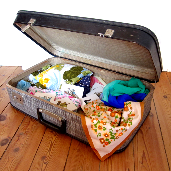Foulards et valise - http://spicerabbits.blogspot.fr/