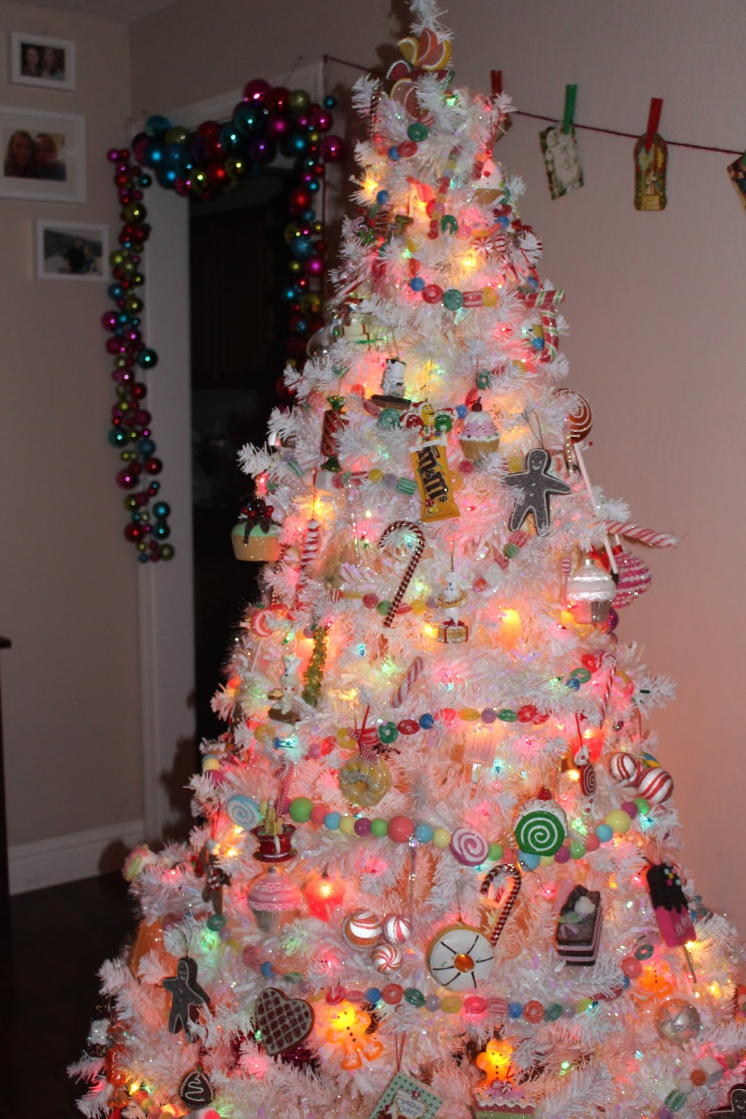 if youve missed any of my other christmas in july photos dont worry you can catch up here do you have a tree you love to decorate - Candy Christmas Tree