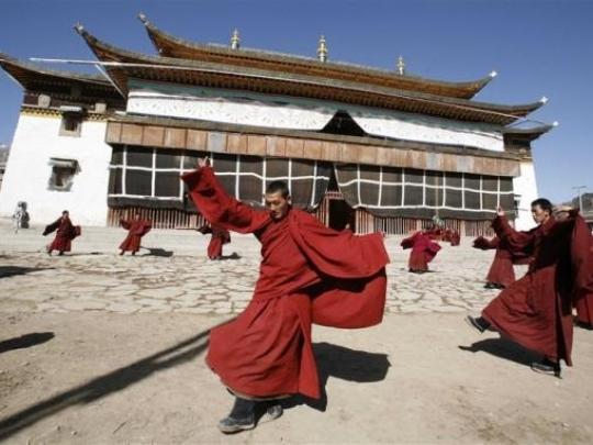 monges tibetanos