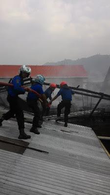 Breaking News,,,Kebakaran di Desa Gedang, Kerugian Ditaksir Rp.150 Juta