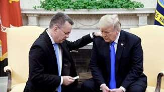 Pastorul Brunson s-a rugat pentru președintele SUA, Donald Trump