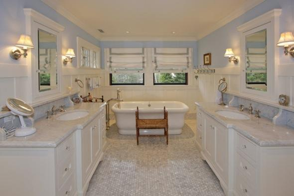 http://1.bp.blogspot.com/-Xu7VTmAXnOA/TcUrb0VVXYI/AAAAAAAAADg/tQ2CRTW8-9U/s1600/Mark-zuckerberg-7-million+home+a-bathroom-with-two-sinks.jpg