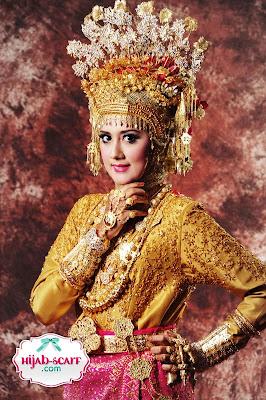 http://1.bp.blogspot.com/-Xu9Ce4YpR-Q/TW9w9x9saVI/AAAAAAAAB30/MwHGSf18Gc8/s800/Hijab%2BScarf%2B3.JPG
