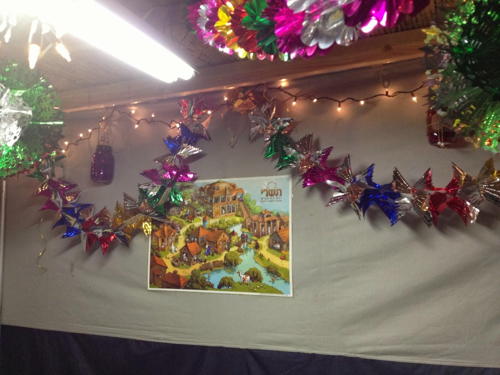 Not 2 shabbey september 2013 for Christmas ceiling decorations
