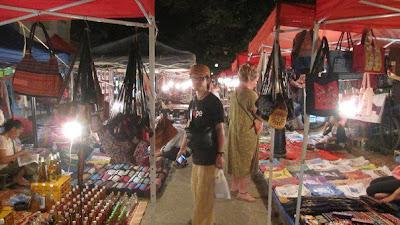 ナイトマーケット(ルアンパバーン)