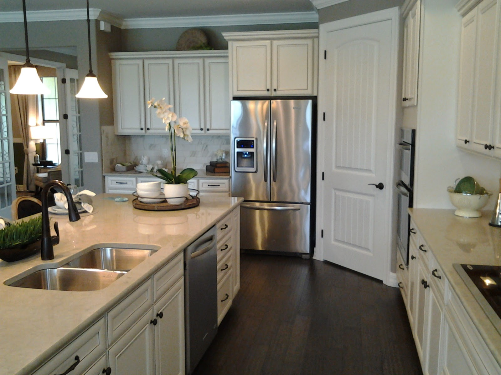 Florida new homes april 2015 for Kitchen cabinets venice fl