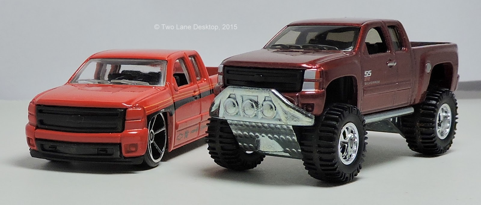Hot Wheels 2007 Chevy Silverado In 2wd And 4x4 Two Lane Desktop 1961 Truck Lifted