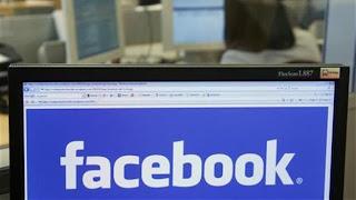 (CNN) — Uno de cada cuatro de los usuarios de Facebook miente en su perfil para impresionar a esa o ese chico que no los toma en cuenta en la secundaria. A veces, se trata solo de la privacidad. Estas fueron algunas de las conclusiones de una investigación de Consumer Reports que se dio a conocer esta semana. Bajo el título Facebook y su privacidad, el informe se centra en las formas en que la gente usa los sitios de las redes sociales parta compartir información y qué sucede con esos datos después de que se hacen públicos. En una