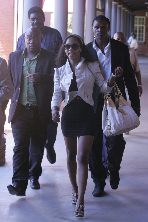 - Kelly Khumalo Picture 3