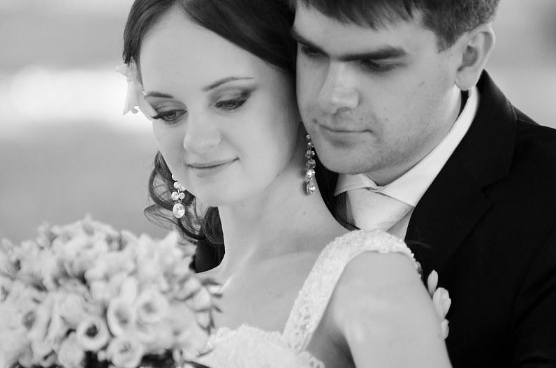 balta juoda vestuvių fotografija