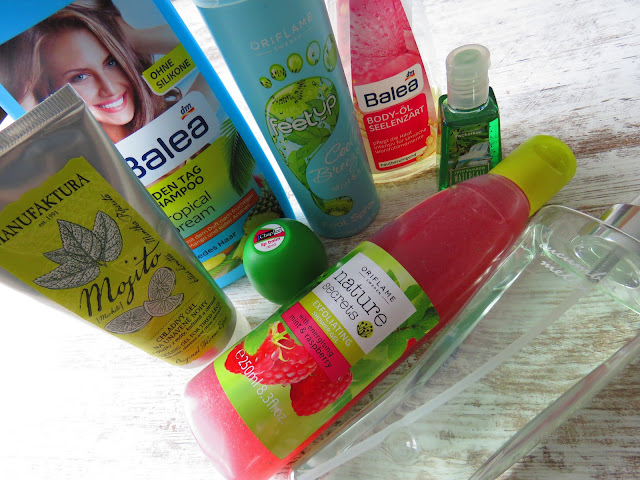 Manufaktura Mojito gel, Balea Shampoo Tropical Dream, Revo Watermelon, Oriflame Exfoliating Shower Gel with Mint and Raspberry, Oriflame Teet Up Cooling Breeze, Balea Body-ol Seelenzart, BBW Lush Bamboo Waterfall, BBW Cucumber - melon Body Mist