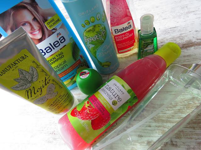 Manufaktura Mojito gel, Balea Shampoo Tropical Dream, Revo Watermelon, Oriflame Exfoliating Shower Gel with Mint and Raspberry, Oriflame Teet Up Cooling Breeze, Balea Body-ol Seelenzart, BBW Lush Bamboo Waterfall, BBW Cucumber - melon Body Mist