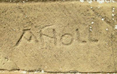 Misteriosa firma de Anoll en Satiago de Agüero.