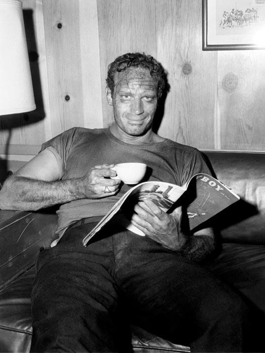 Charlton Heston leyendo - leer es sexy