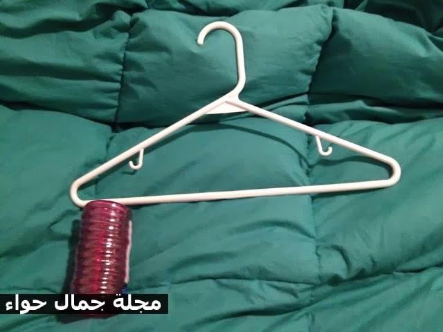 بالصور: فكرة بسيطة ومبتكرة لترتيب الايشاربات ,الطرح ولفات الحجاب بالدولاب مجلة جمال حواء