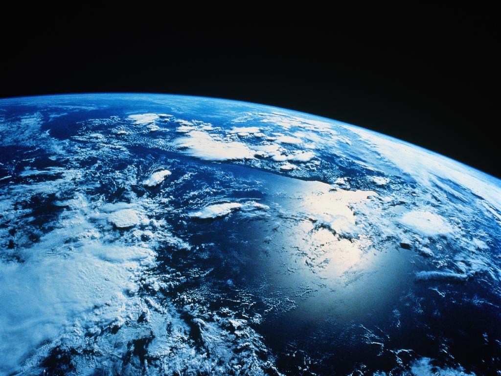http://1.bp.blogspot.com/-XvqLfcahbgE/TcuBlaXSQ0I/AAAAAAAAAfI/F2b9CbllEZA/s1600/earth_wallpaper.jpg