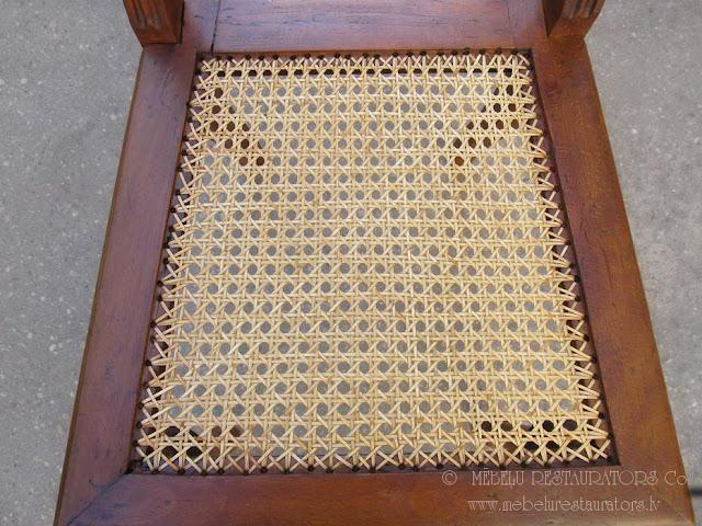 Restaurēts krēsls ar rotanga pinumu