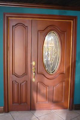 Catalogo de puertas de maderas cocinas integrales en madera for Puertas principales de cristal