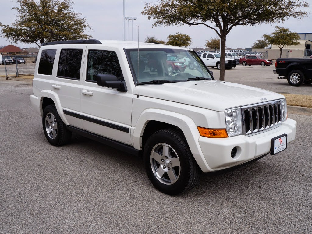 13 995 for sale white 2009 jeep commander sport tdy sales 817 243. Black Bedroom Furniture Sets. Home Design Ideas