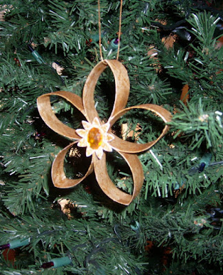Gold star ornaments 1