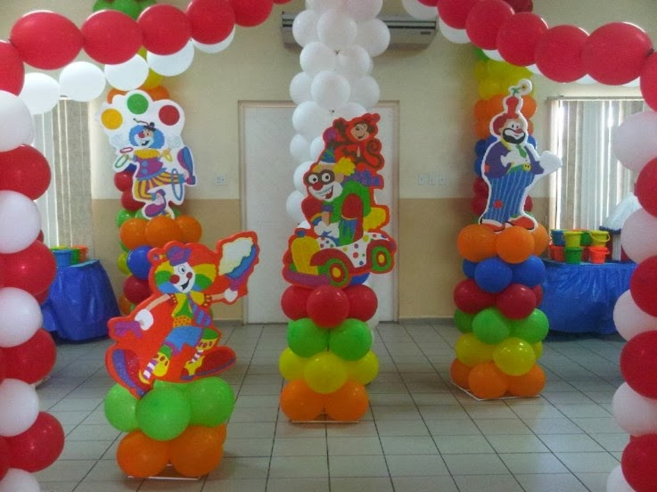 Decoracion de fiestas infantiles con payasos for Globos decoracion fiestas