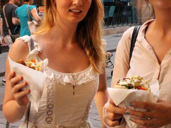 Falafel mit Kräuterseitlingen & Joghurtsoße