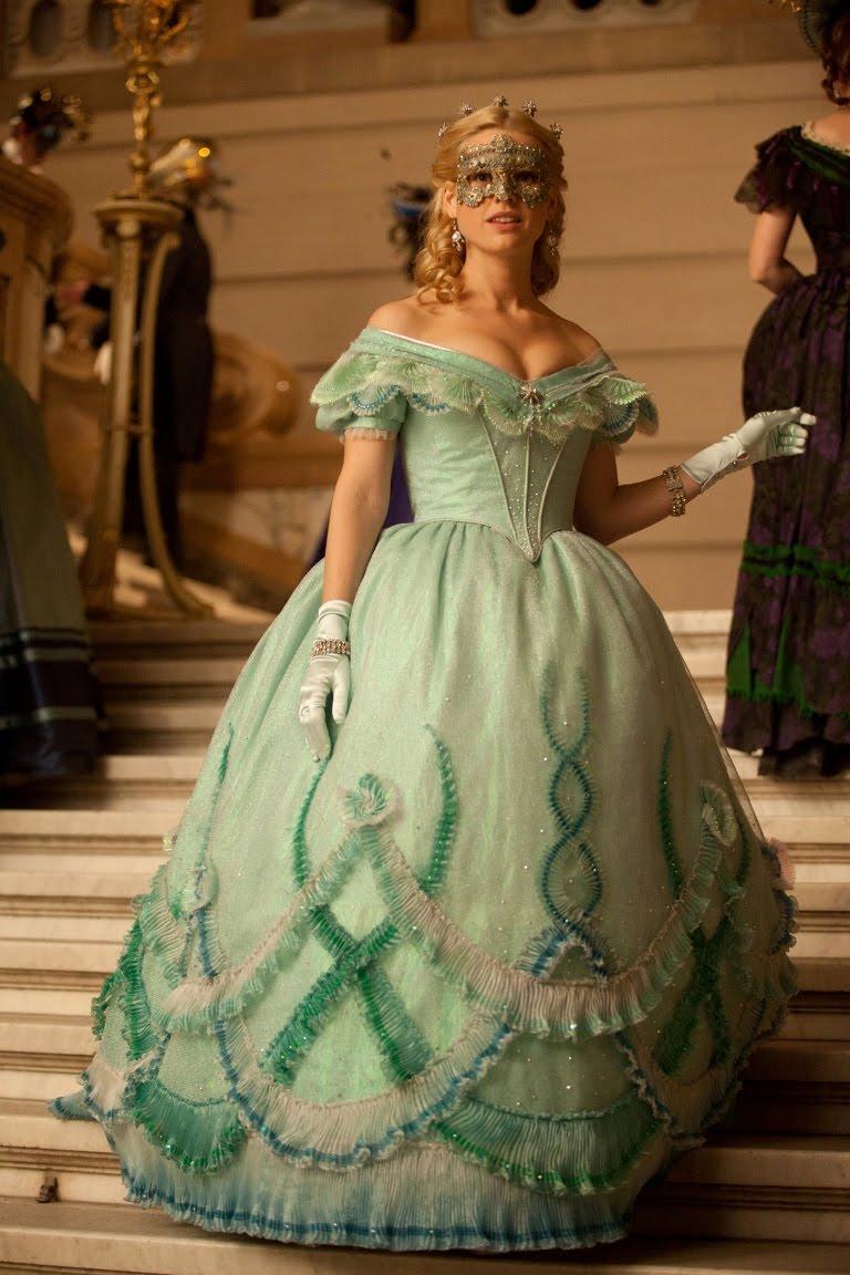 矚目的好萊塢性感女星艾莉絲
