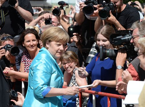 Shock: German Chancellor Angela Merkel collapsed!
