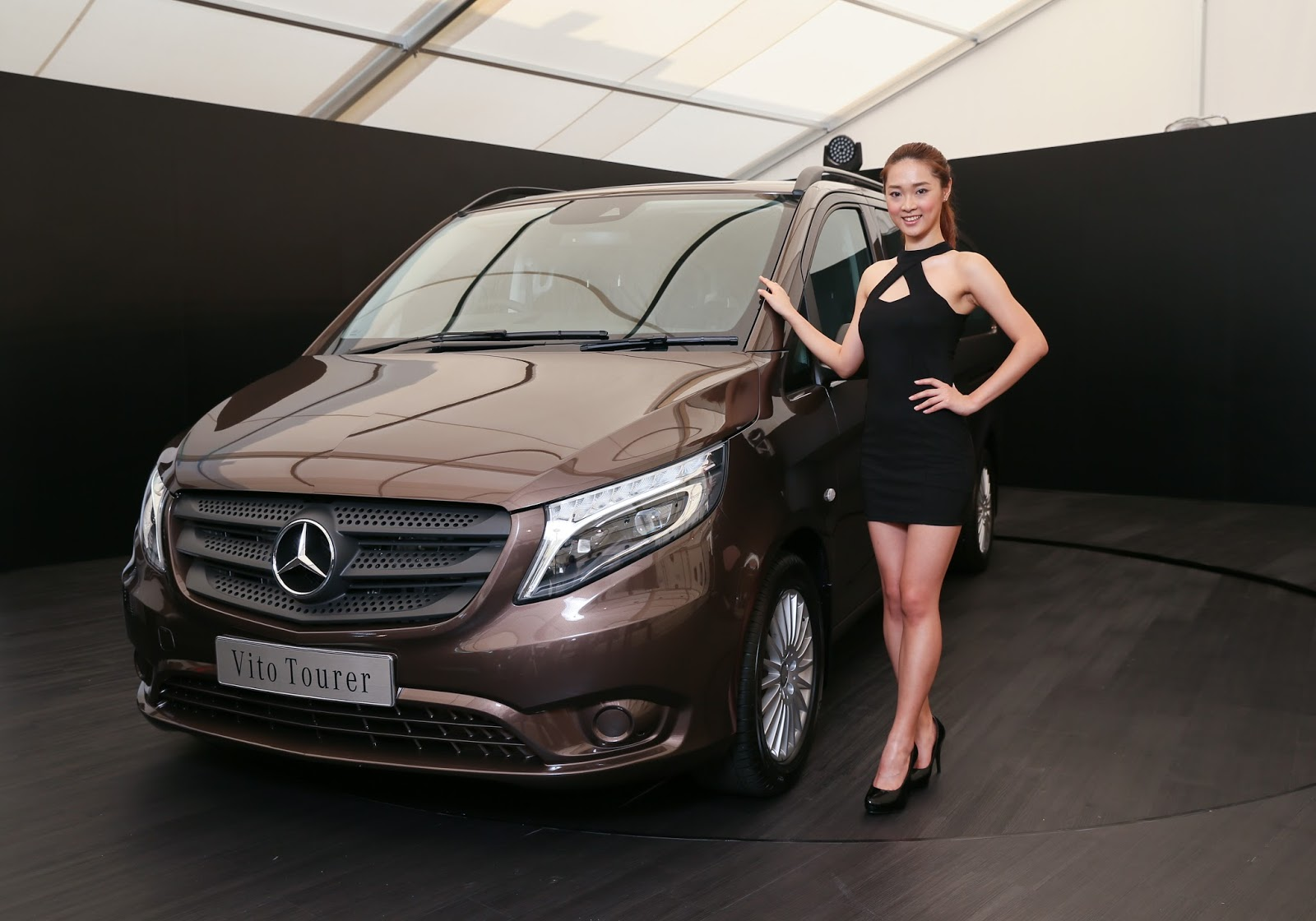 Hkblogger mercedes benz launches v class and vito for Mercedes benz hk