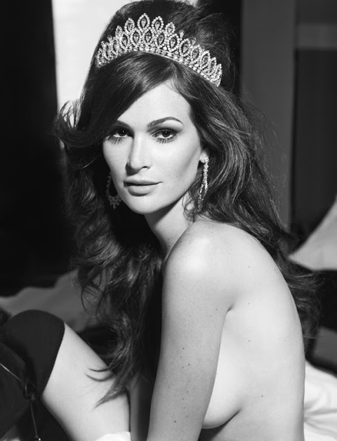 Miss Brasil Priscila Machado nua na capa da Revista Status