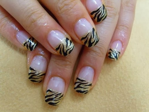 Cute Gold Zebra Nail Tips Design