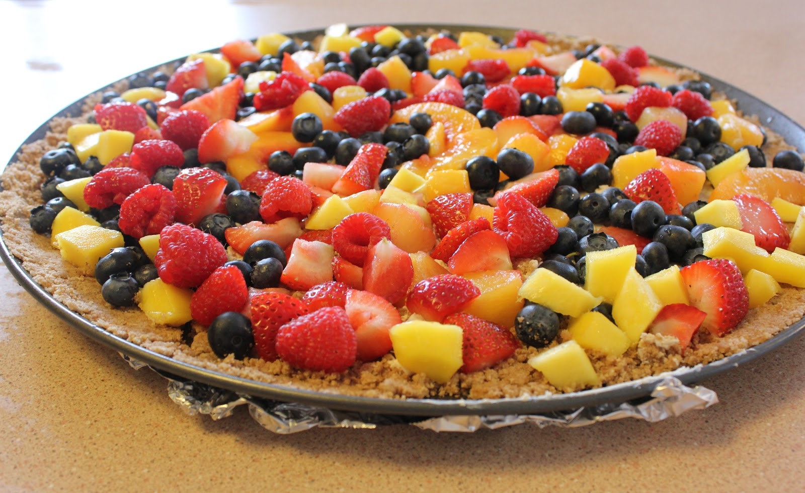 Fit and Lovin' it: Fruit Pizza