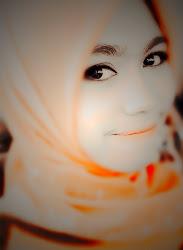 senyum tak perlu kata apa2 :)