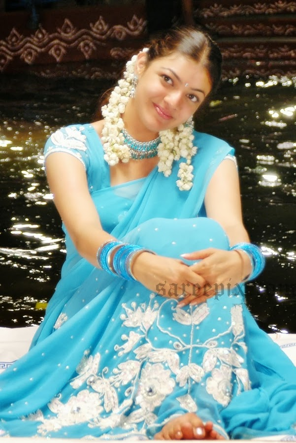 Kajal-agarwal-half-saree-Chandamama-movie