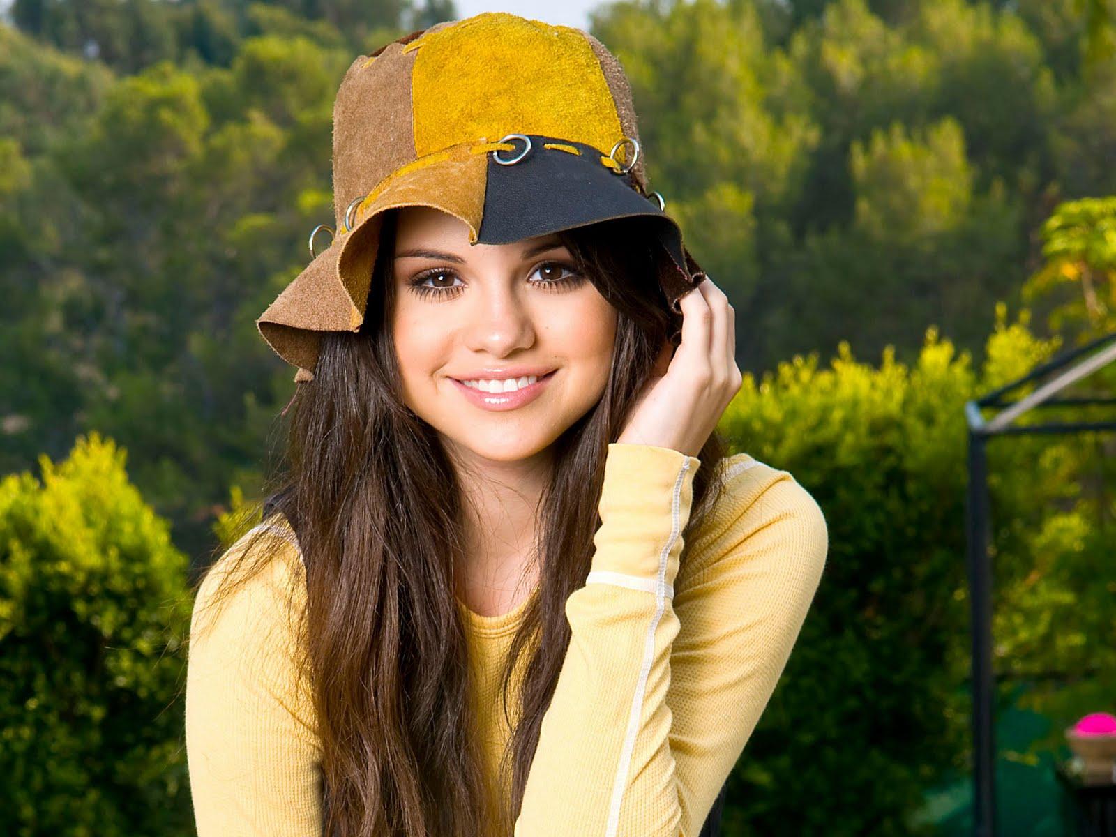 http://1.bp.blogspot.com/-XxiafV8JRUU/TcWzhy3Vo4I/AAAAAAAADYU/raH1YD5izZs/s1600/Selena+Gomez+cute+stills.jpg