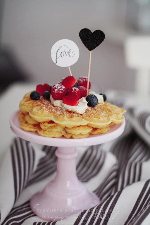 a valentine breakfast fr ulein klein bloglovin. Black Bedroom Furniture Sets. Home Design Ideas