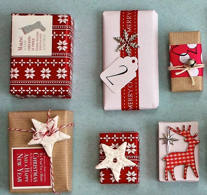 Matilda y la luna envolviendo los regalos de navidad - Paquetes originales para regalos ...