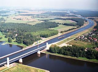 De waterbrug van Magdeburg: een civiel kunstwerk.