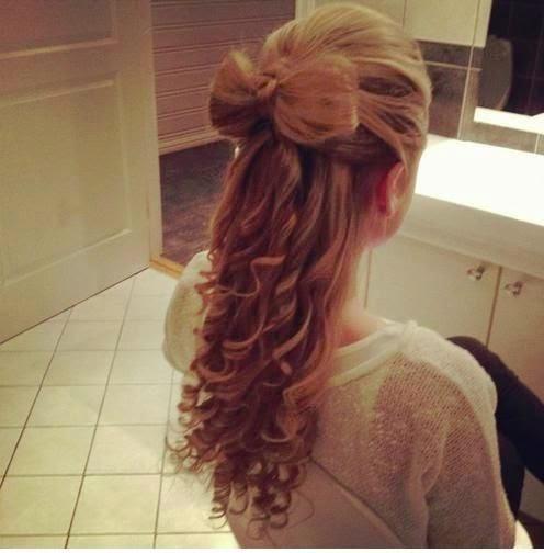 hair bow & curls