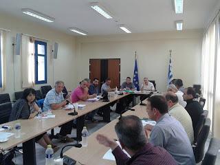 Σύσκεψη στην Περιφέρεια για το συντονισμό και τη λειτουργία  του στόλου του ΕΚΑΒ