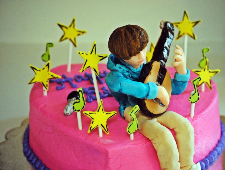 pictures of justin bieber birthday cakes cakes. Justin Bieber Birthday Cake